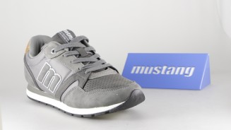 MUSTANG DEPORTIVO CASUAL GRIS LETRA LATERAL